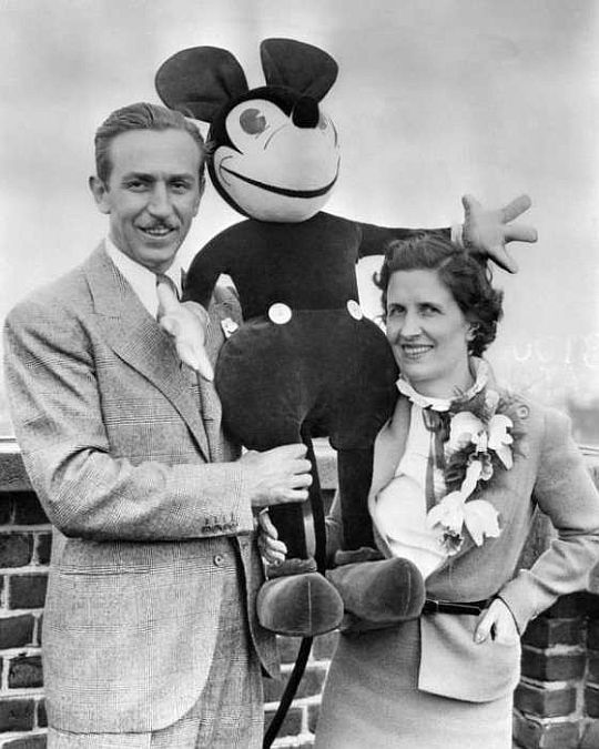 Walt and Lilly on the roof of the Grosvenor Hotel on June 12. © Corbis.